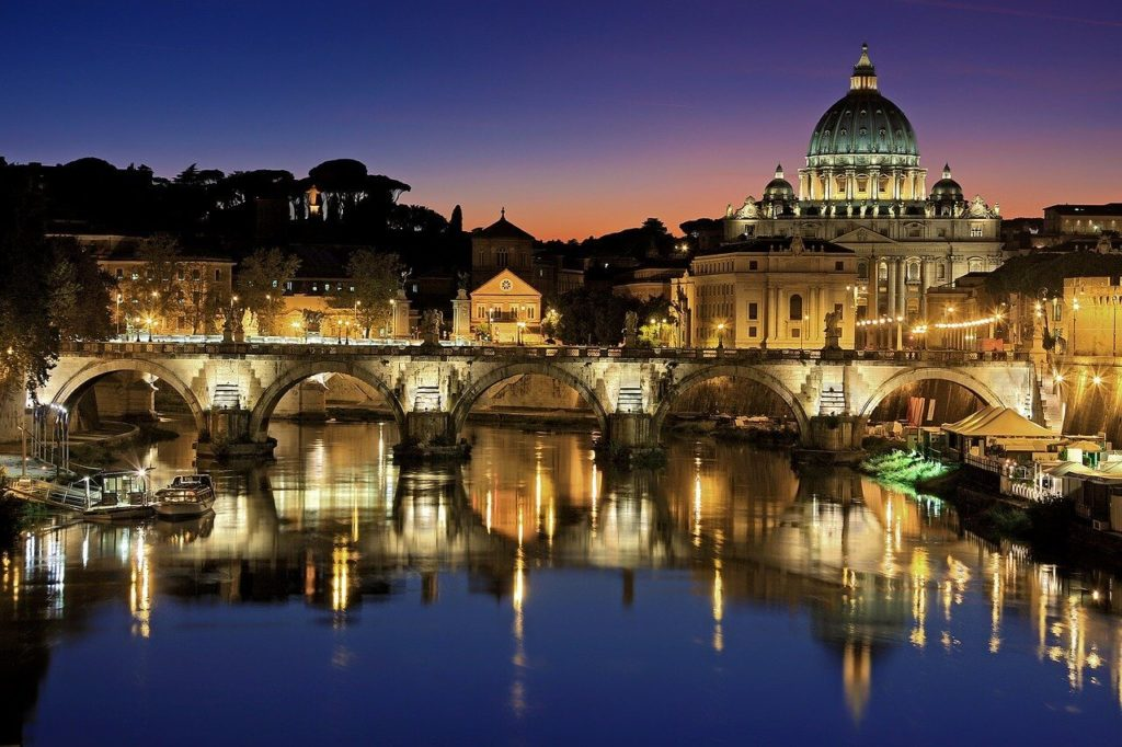 Vatican-City-Rome-vigit-in-italy